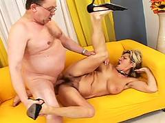 Old doctor examines a sexy mature woman deep inside of her!